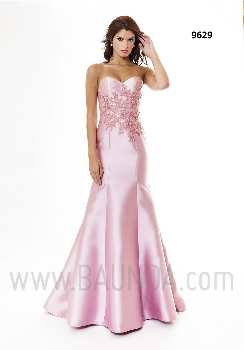 66fab1cbec Vestido de fiesta largo 2016 XM 9629 rosa palo disponible para probar en  Baunda Madrid y tienda online. Vestido para invitadas a bodas en tafetán  color rosa ...