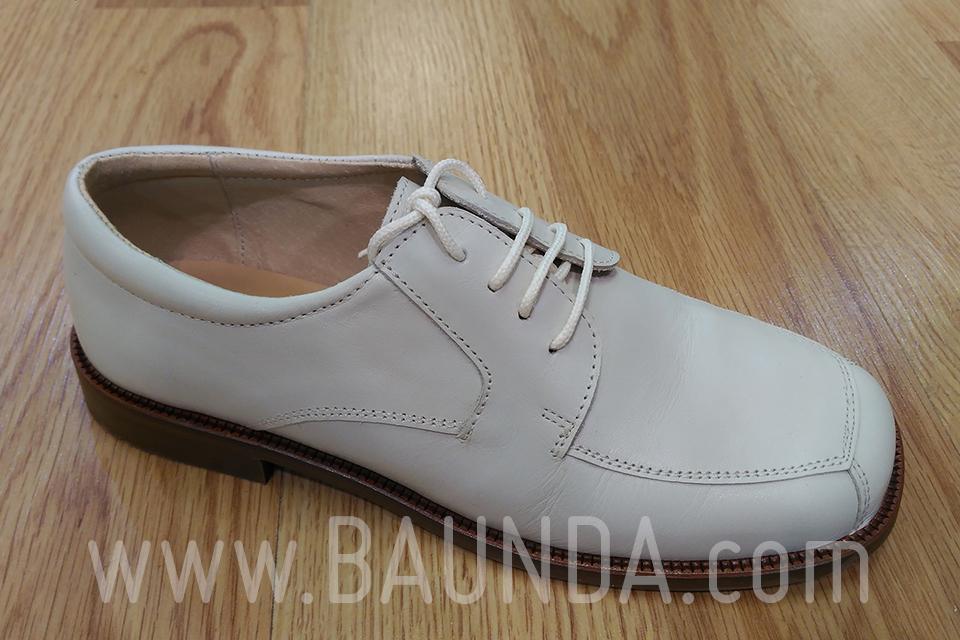 5bc386f4ef4 Baunda Zapatos de cordones marfil para comunión 2018 Baunda Z1853 en ...