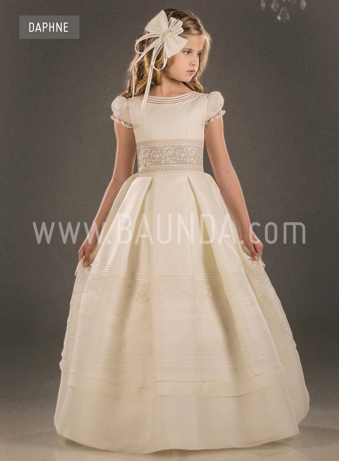 206192a2cb2 Baunda Spanish communion dress Valeria 2018 DAPHNE Madrid and online ...