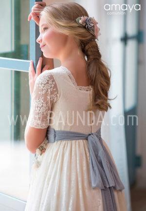 Vestido comunión con azul Amaya 2019 modelo 920 espalda en Madrid