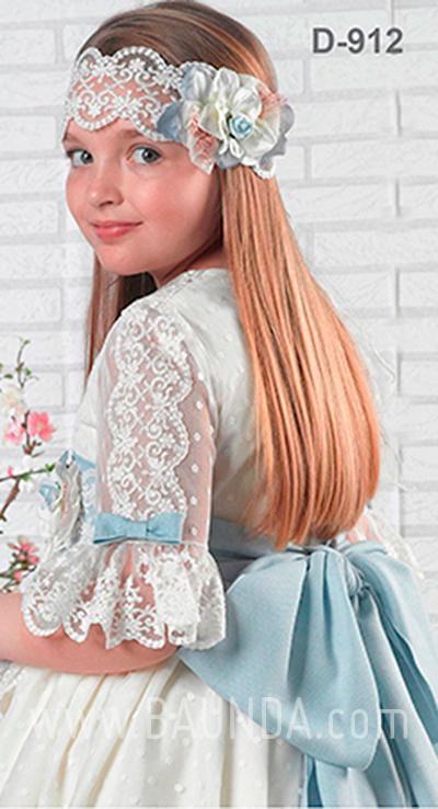 Vestido comunión artesanía Montserrat Lozano 2019 modelo 1912 espalda en Madrid
