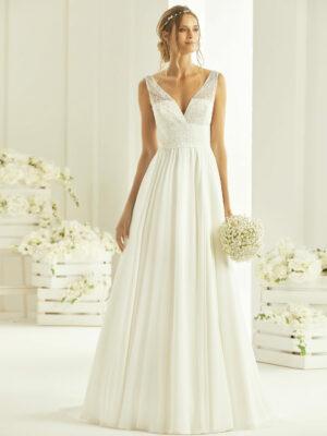 Vestido de novia estilo ibicenco para una boda en la playa