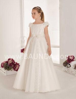 Vestido comunión estilo princesa elaborado en organza con aplicaciones de pedrería, perlitas y brillos de la colección 2020 de Elisabeth