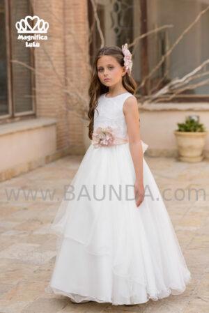 Vestido de comunión de la firma española Magnífica Lulú en tejido brocado y tul