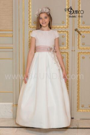 vestido de comunión colección 2020 elaborado en tejido rústico y brillos.