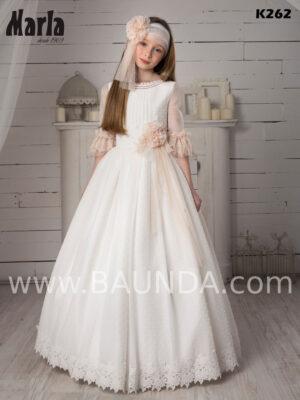 Líndísimo vestido mezcla de estilo vintage y clásico de la colección Marla 2020 trabajado en plumeti.