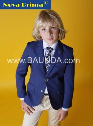 traje_comunion_calle_marino_elegante_coderas_beige_corbata
