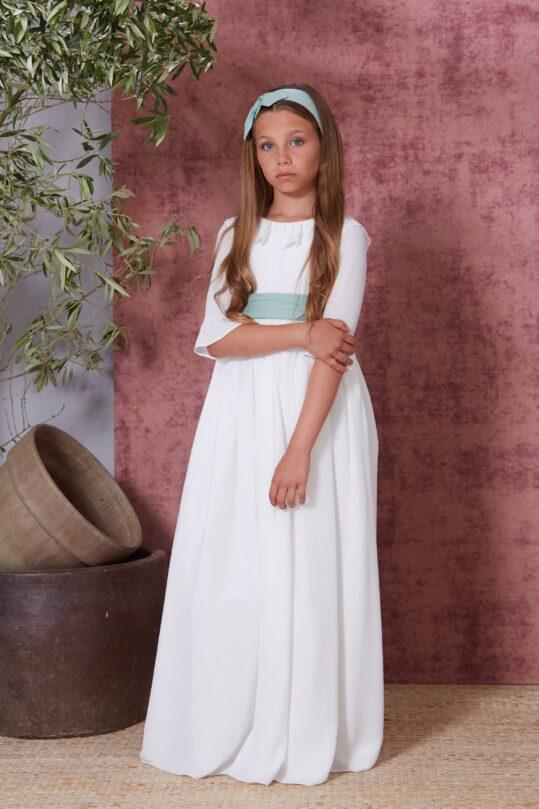 vestido de comunión sencillo marfil y azul